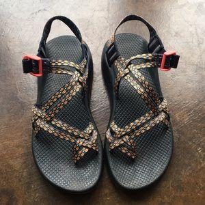 Women's Chaco Sandals w Toe-strap